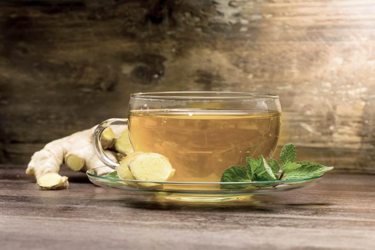 freshly brewed ginger tea | BRAIN TEA: Teas To Drink That Boost Brain Health | brain tea | brain boosting tea