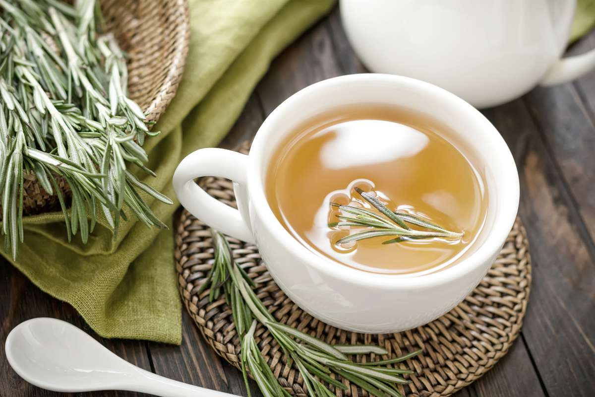 rosemary tea | BRAIN TEA: Teas To Drink That Boost Brain Health | brain tea | tea for focus