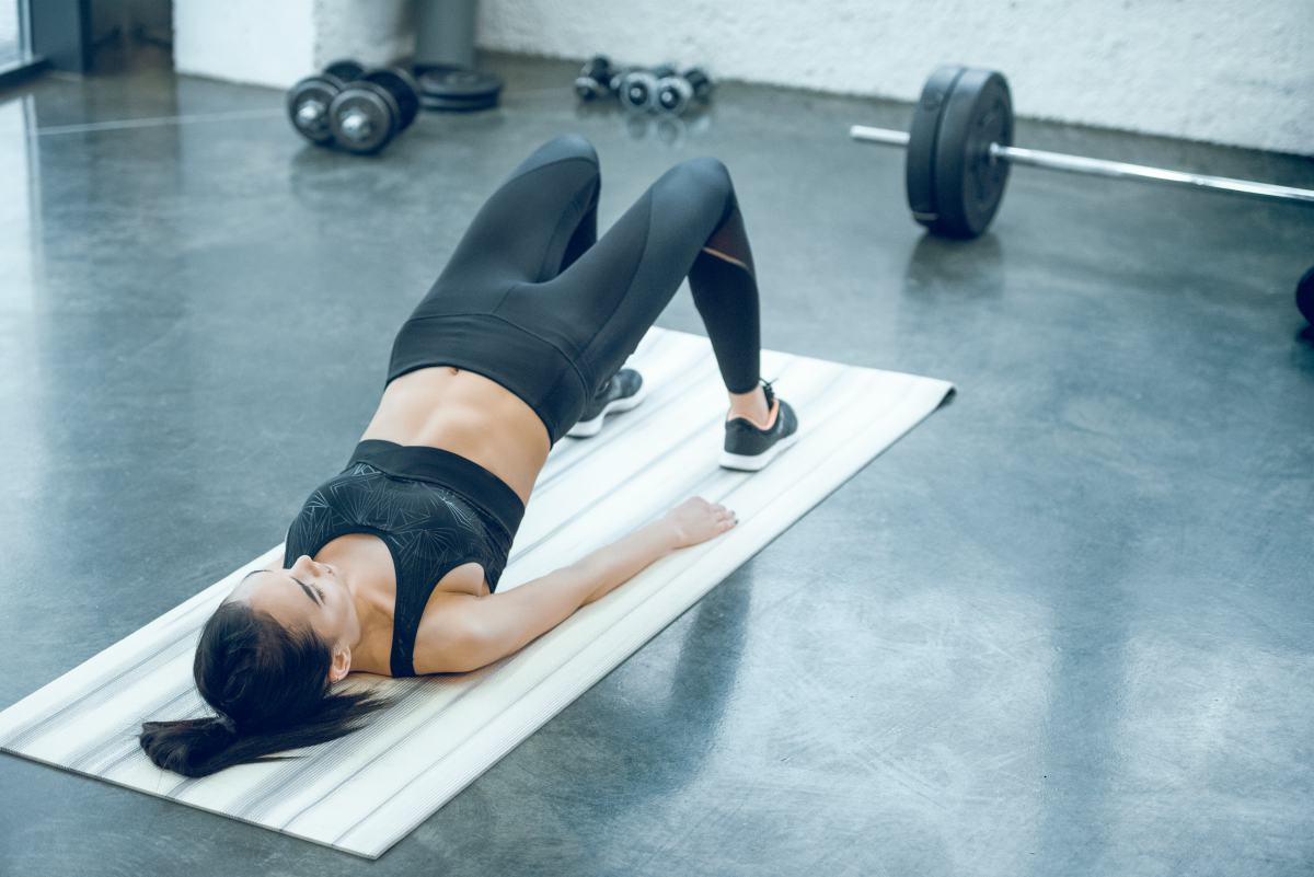 woman doing hip bridges | Hip Bursitis Exercises For Tension Relief | hip bursitis exercises | hip bursitis stretch