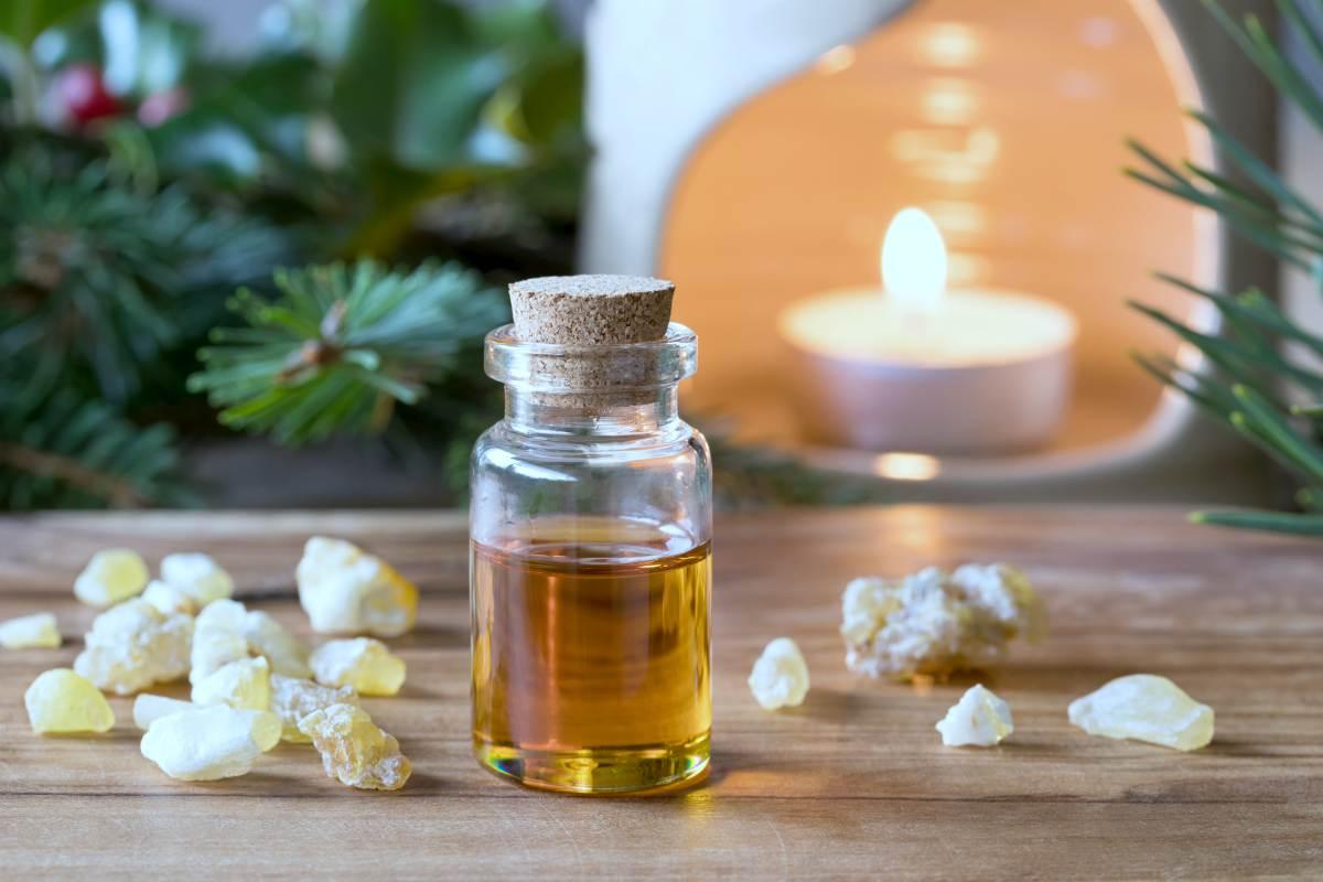 bottle of frankincense essential oil   Best Essential Oils For Arthritis   essential oils for arthritis   essential oil for arthritis in hands