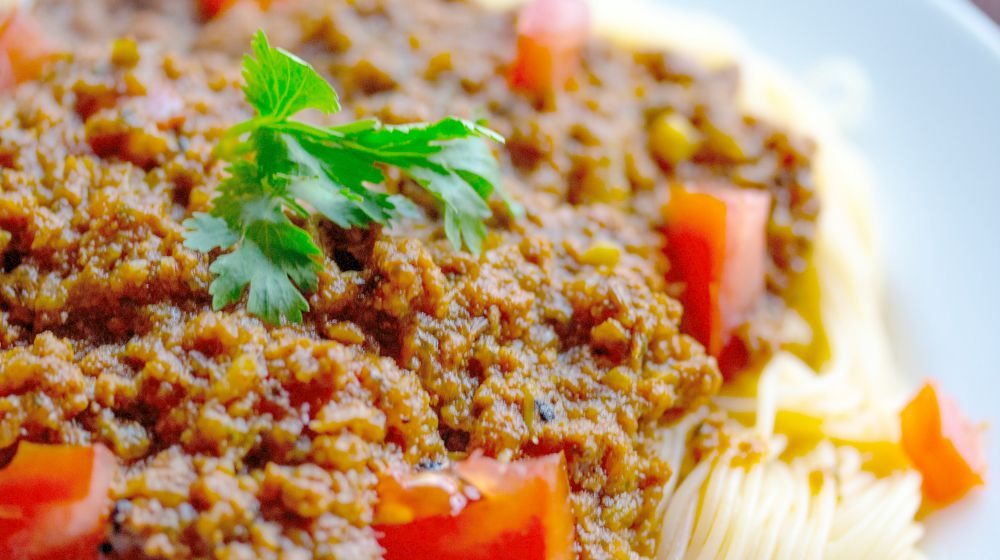 spaghetti bolognese on plate | Healthy Dinner Recipes For A Low Iodine Diet This Holiday | low iodine diet | low iodine diet foods